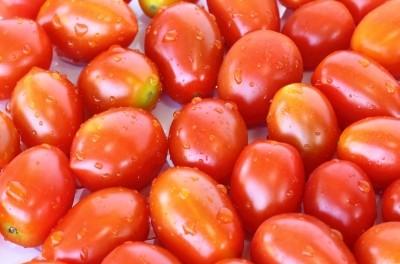 Para dormir bien debemos comer tomates y naranjas