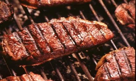 Comer carne a la brasa aumenta el riesgo de diabetes