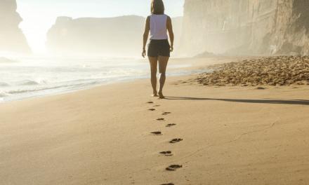 Caminar después de comer reduce más la glucemia